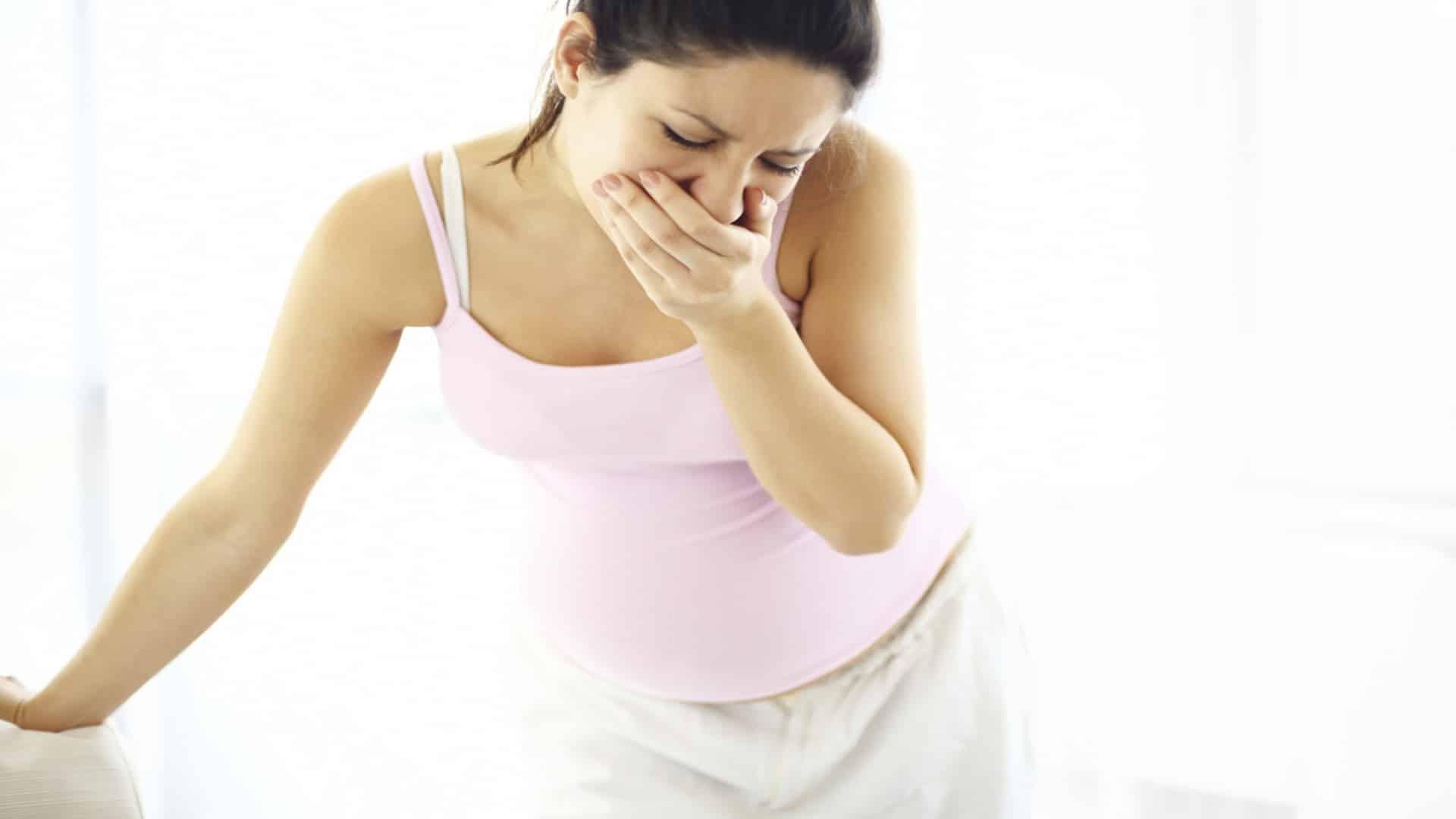 Hamilelikte Sabahları Aç Karnına Limonlu Su İçmek