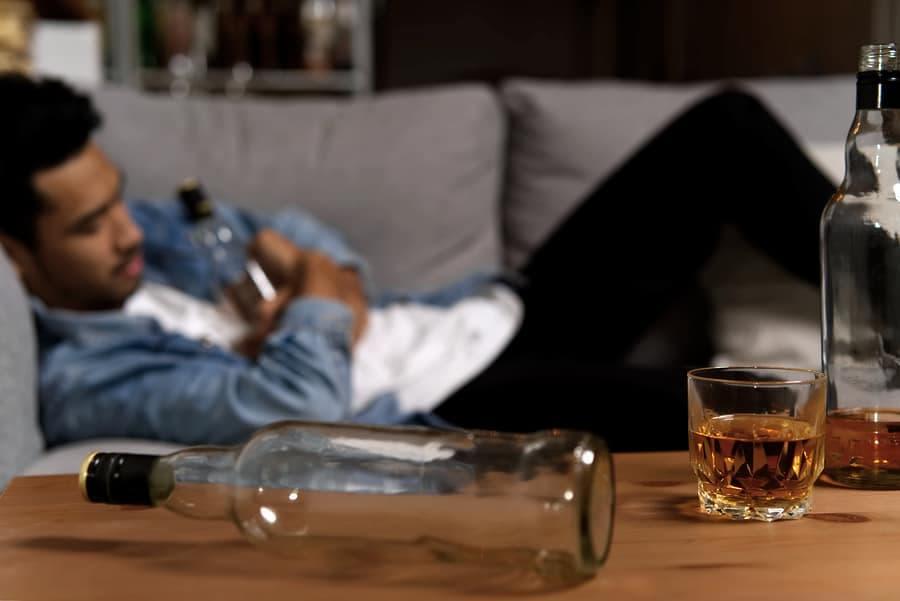 Alkolik Kime Denir